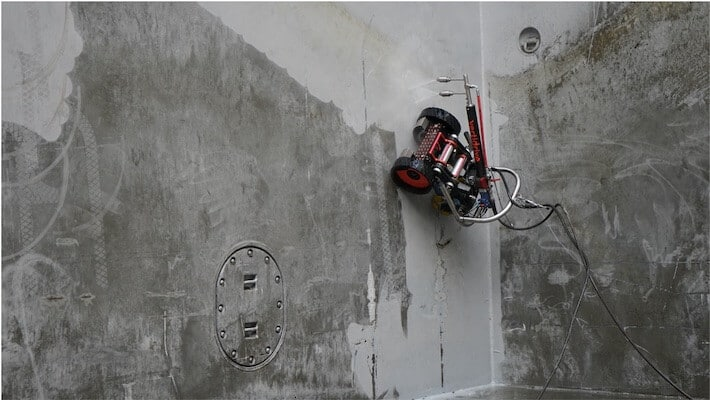 cargo hold cleaning robot