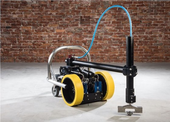 confined space cleaning robot
